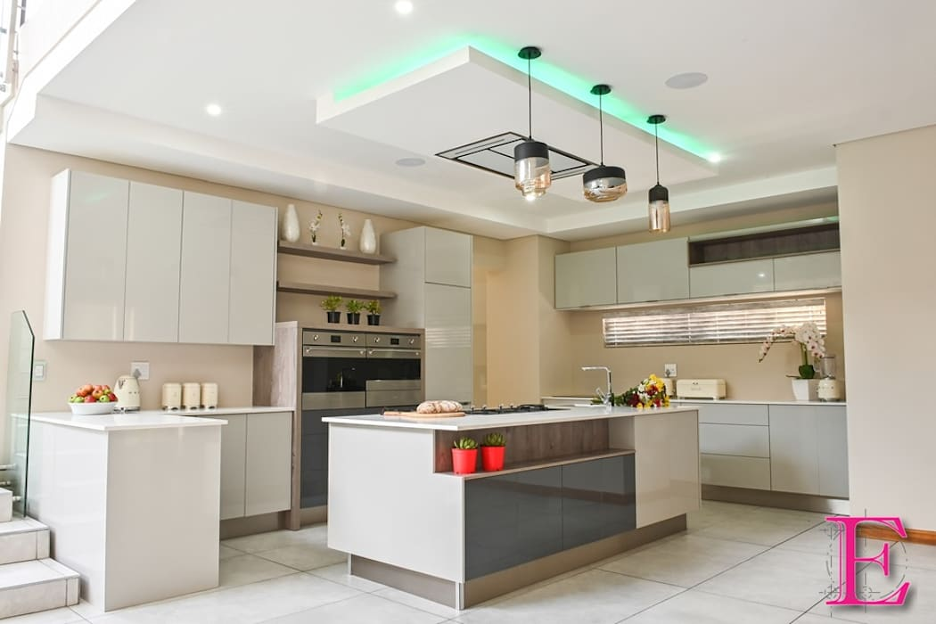 Modern High Gloss Grey toned Streamlined Kitchen by Ergo Designer Kitchens Modern Wood-Plastic Composite