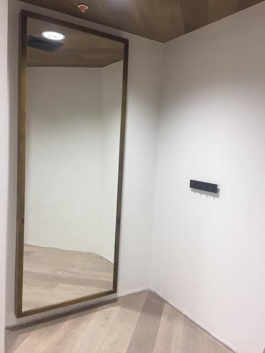 mobiliario de JESSICA FINOL SIU Moderno