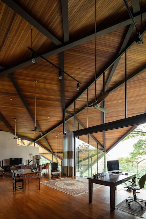 Casual Living MJ Kanny Architect Roof