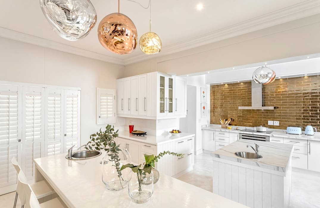 HIGH END KITCHEN RENOVATION by Deborah Garth Interior Design International (Pty)Ltd
