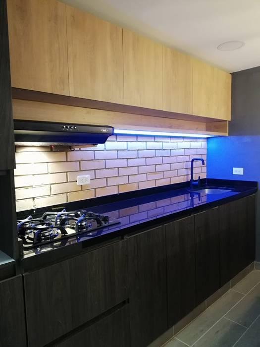 Cocina moderna y con estilo industrial by Amvar Home Industrial