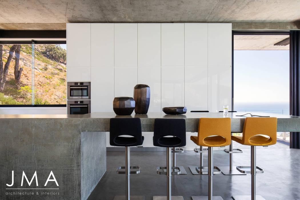 Pool Penthouse - Kitchen by Jenny Mills Architects Modern