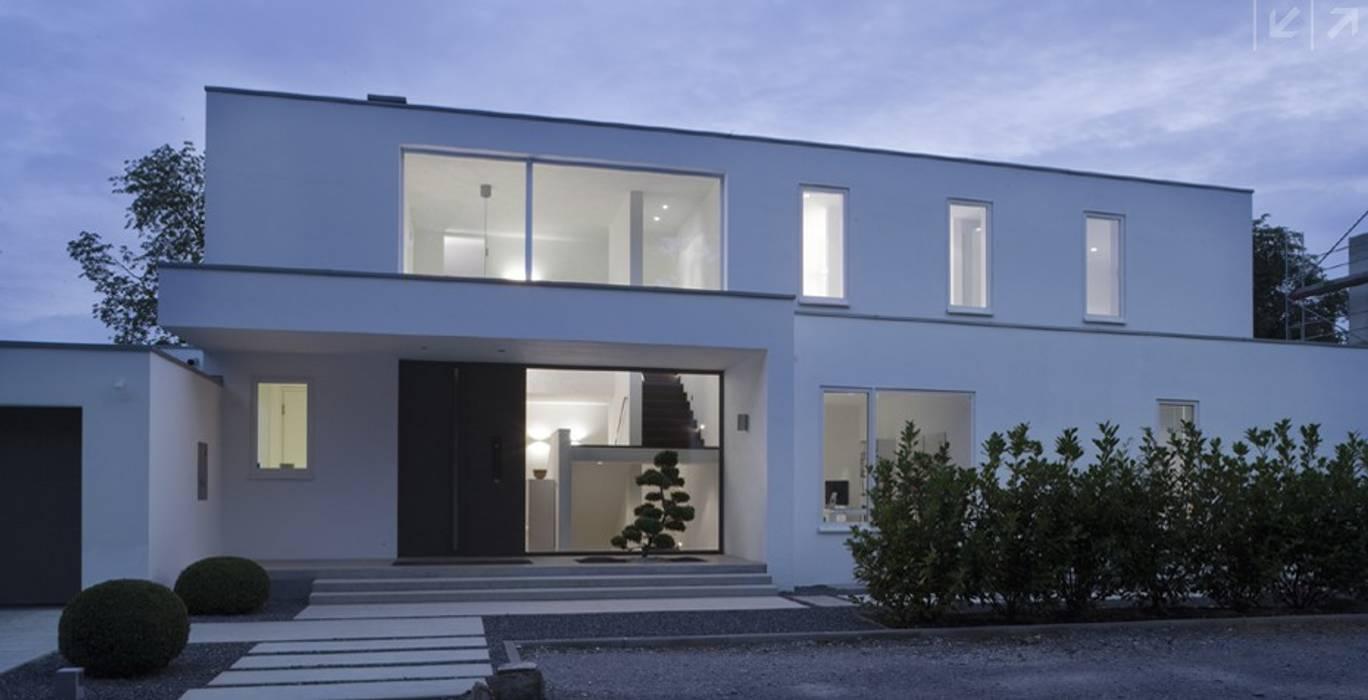 modern  by ARKITURA GmbH, Modern