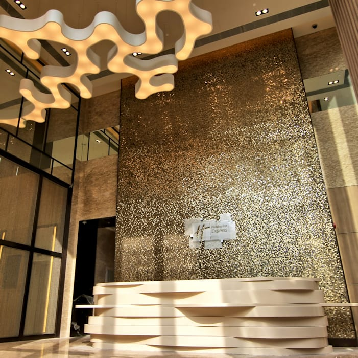 Lobby by John Chan Design Ltd Modern