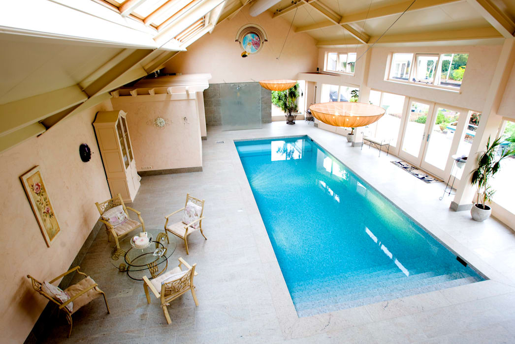 Classic style pool by Aquamasters Classic