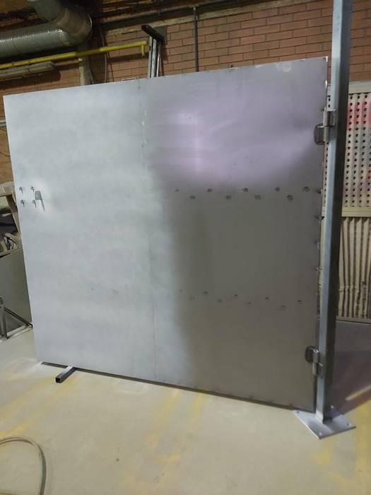 Fabricación y ejecución de puerta de seguridad de diseño personalizado Joaquín torres lopez