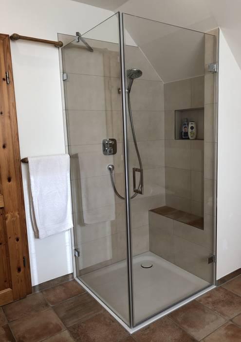 LifeStyle Bäderstudio Tropical style bathroom
