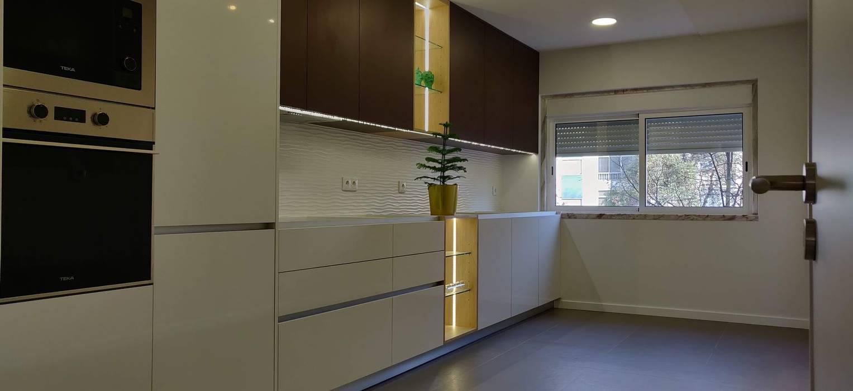 C evolutio Lda Modern Kitchen