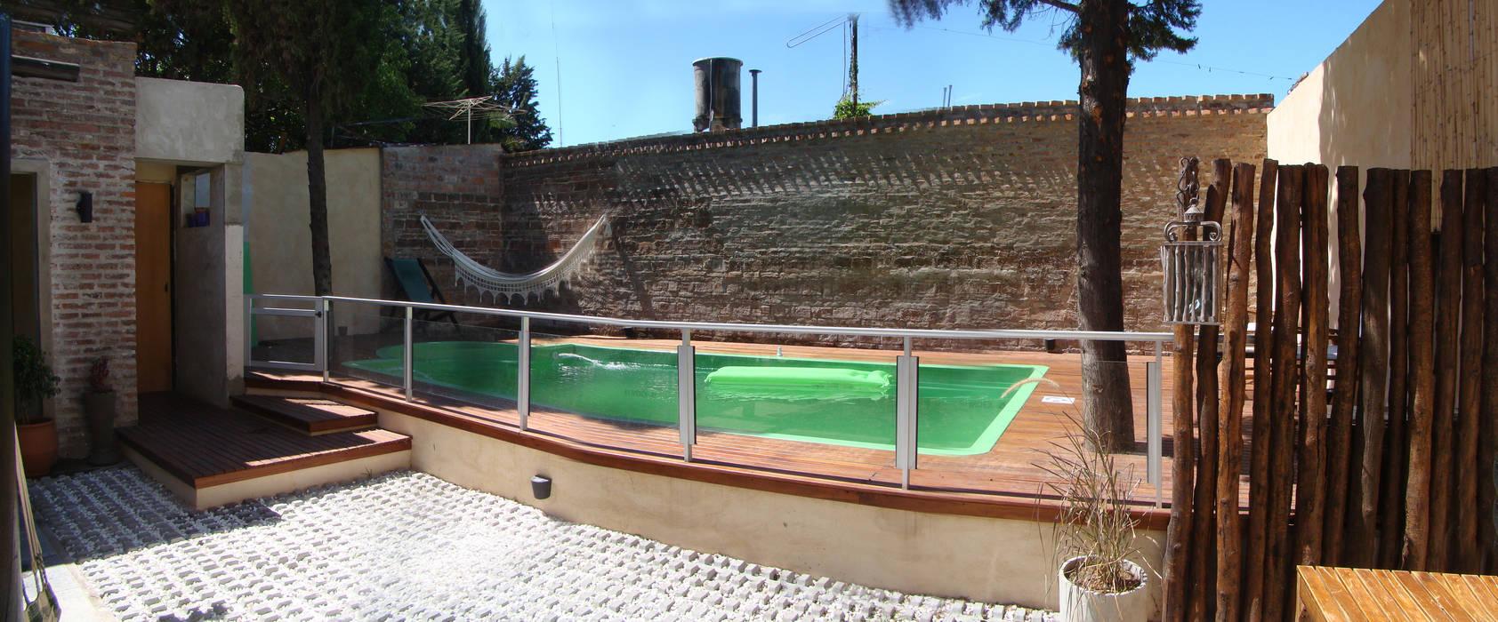 ELVARQUITECTOS Garden Pool Bricks Orange