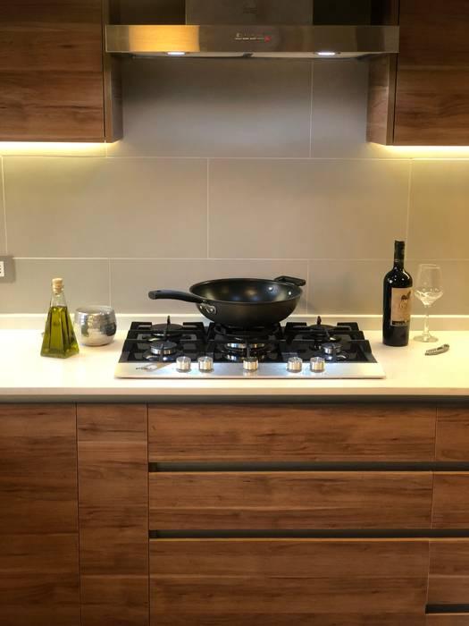 M u e b l e B a j o + E n c i m e r a Estudio veta diseño Cocinas equipadas Aglomerado
