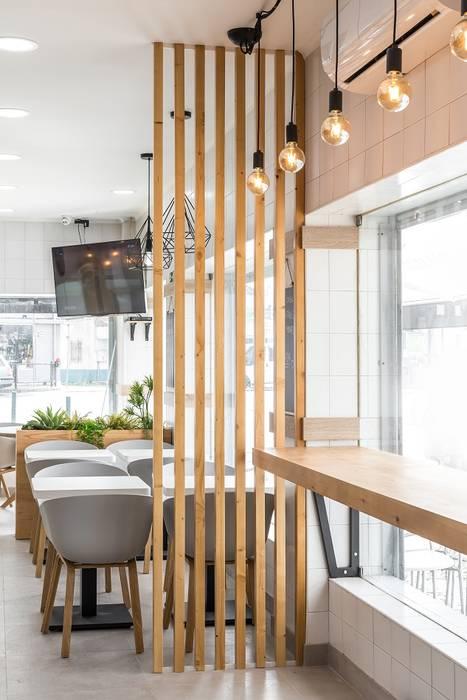 Paredes y suelos de estilo moderno de Glim - Design de Interiores Moderno