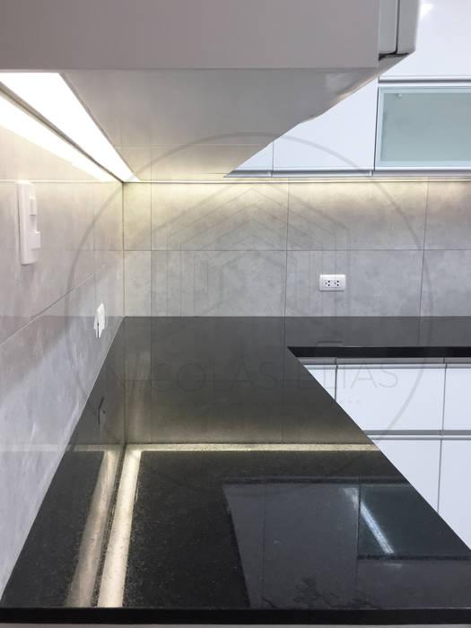 COCINA DF Nicolas Elias Arquitectura Cocinas equipadas Cuarzo Negro