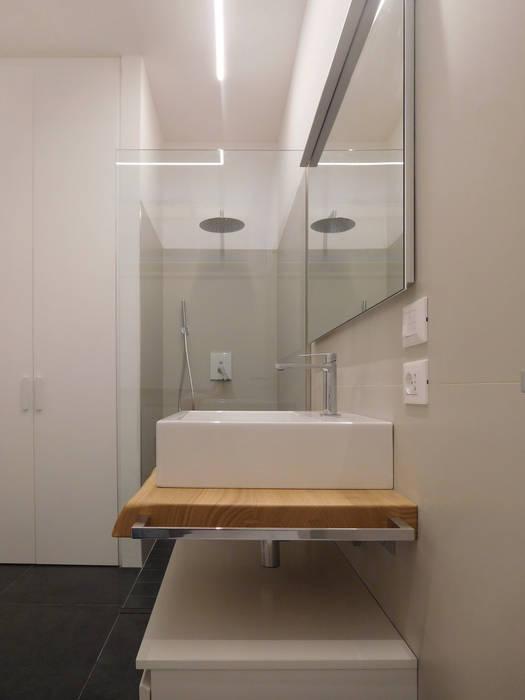 Studio di Architettura IATTONI Minimalistische Badezimmer
