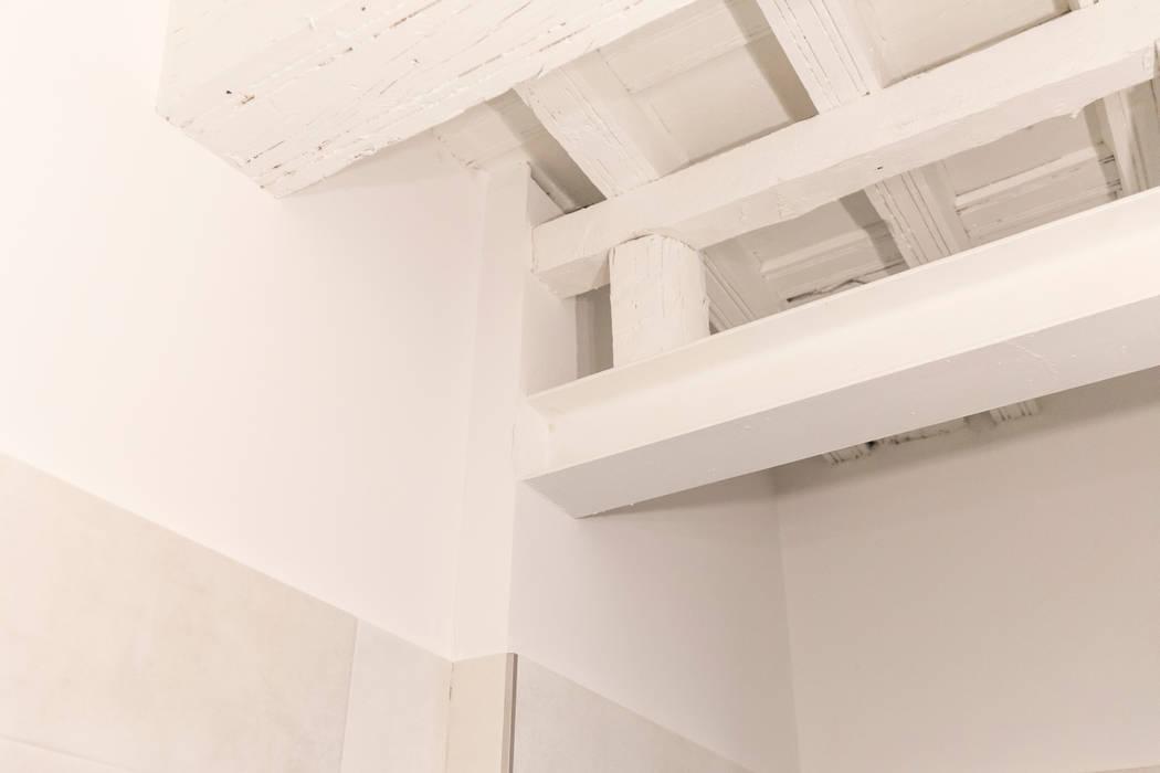 by Arte y Vida Arquitectura Modern