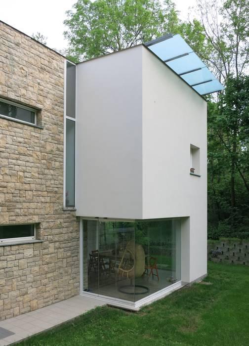 MOLTENI / BARON ASSOCIATI Modern Conservatory Stone White