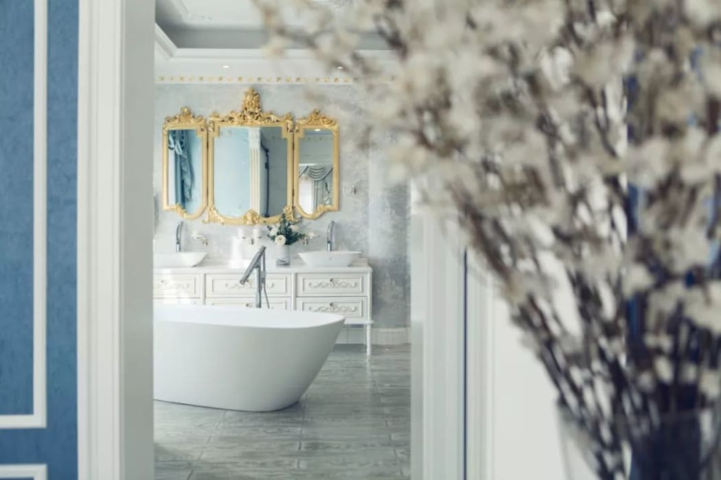 The Bathroom Country style bathroom by C&M Media Country Aluminium/Zinc