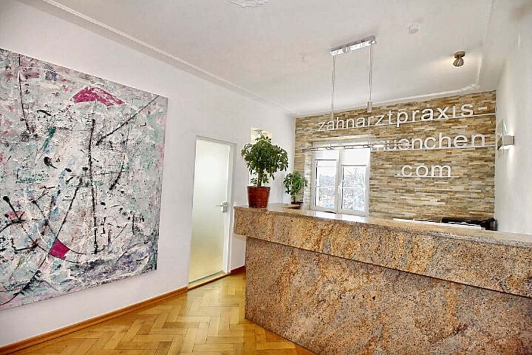 Zahnarztpraxis und Co. Dinding & Lantai Modern