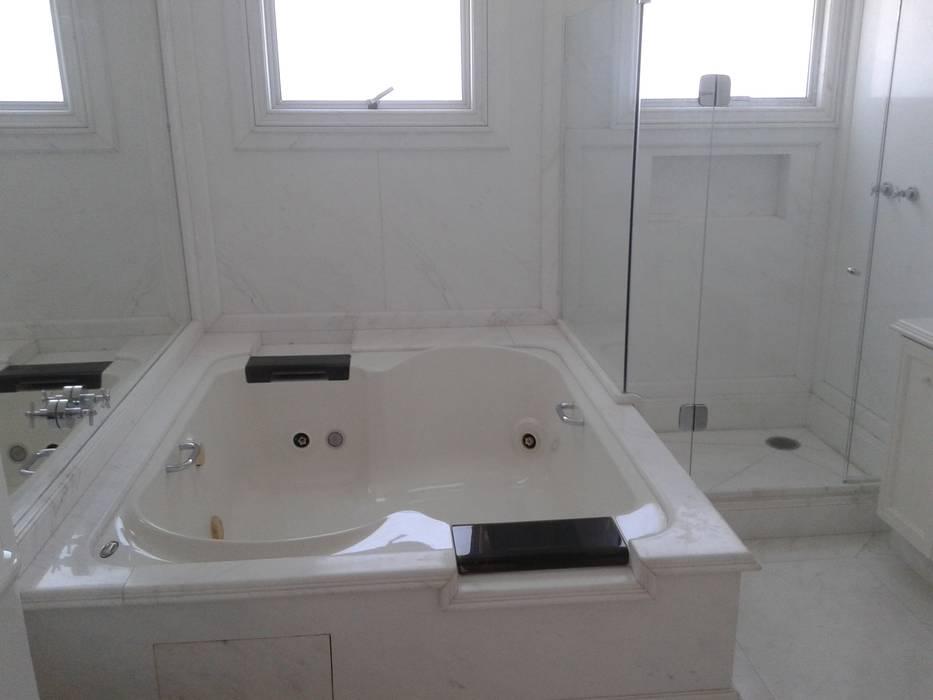 Limpeza pós obra fina DS SERVIÇOS DE LIMEZA Edifícios comerciais coloniais Granito Branco