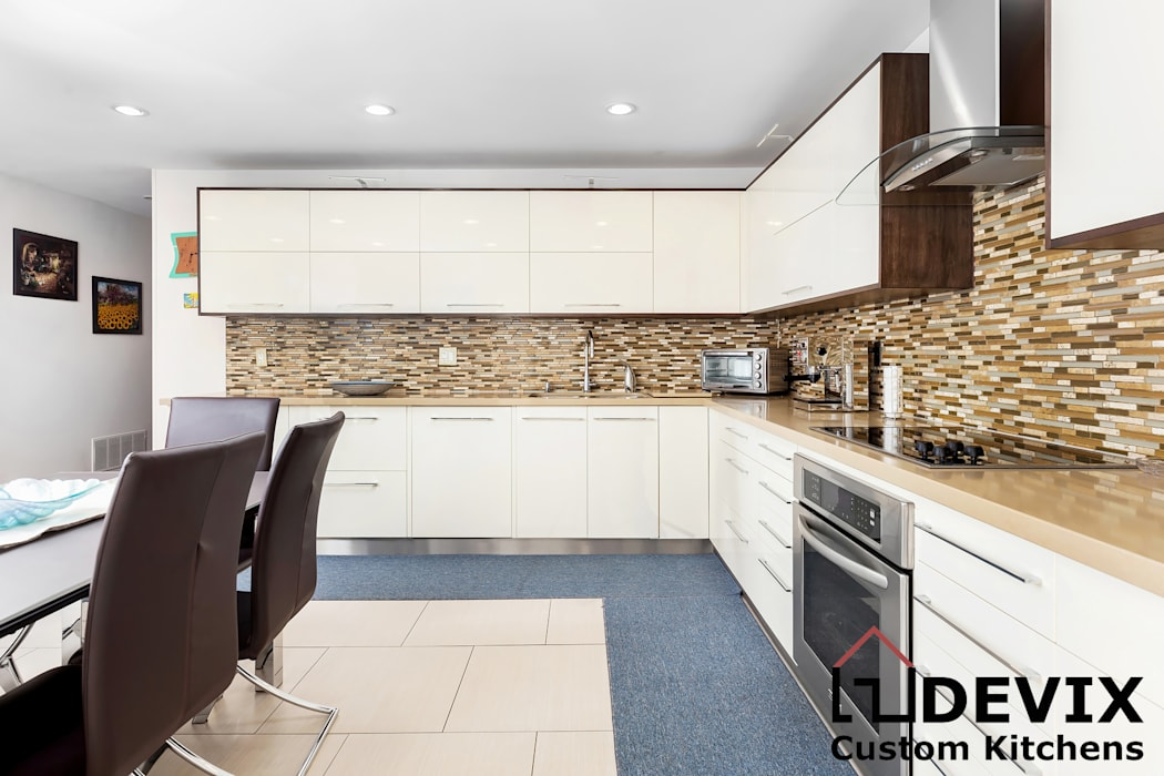High-gloss kitchen cabinets by Devix kitchens Modern MDF