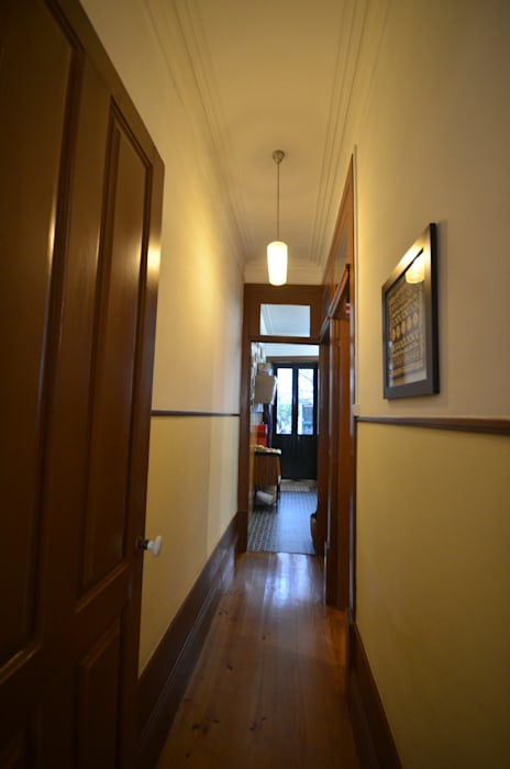 MJARC - Arquitetos Associados, lda Pasillos, vestíbulos y escaleras de estilo rústico