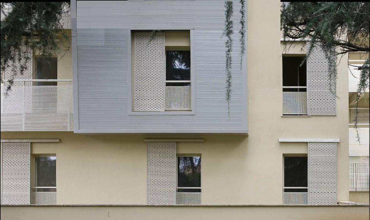 Nuovo edificio residenziale sostenibile - Roma Case moderne di The Green H LLP Moderno