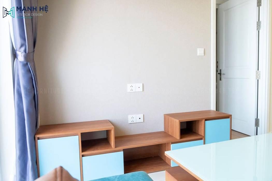 Hoàn thiện kệ tivi phòng khách sáng tạo, lạ mắt bởi Công ty TNHH Nội Thất Mạnh Hệ Hiện đại