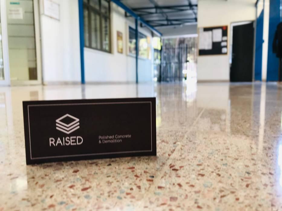 Pulido diamantado de baldosas RAISED Consulting & Concrete Floors Escuelas Cerámico Beige