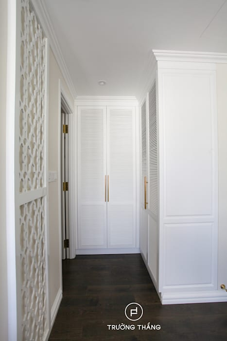 Tủ quần áo cửa lá xách Phòng ngủ phong cách kinh điển bởi CÔNG TY TNHH TRƯỜNG THẮNG Kinh điển Gỗ Wood effect