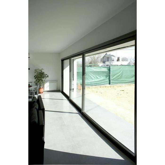 Llorca Durá Arquitectos Ruang Keluarga Modern Kaca White