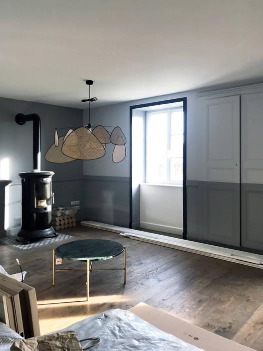Rez-de-chaussée : Vue sur le salon/séjour Salon classique par Studio Bérengère Durret Classique