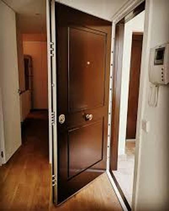 KEY SYSTEM CERRAJEROS Windows & doors Doors Iron/Steel Wood effect