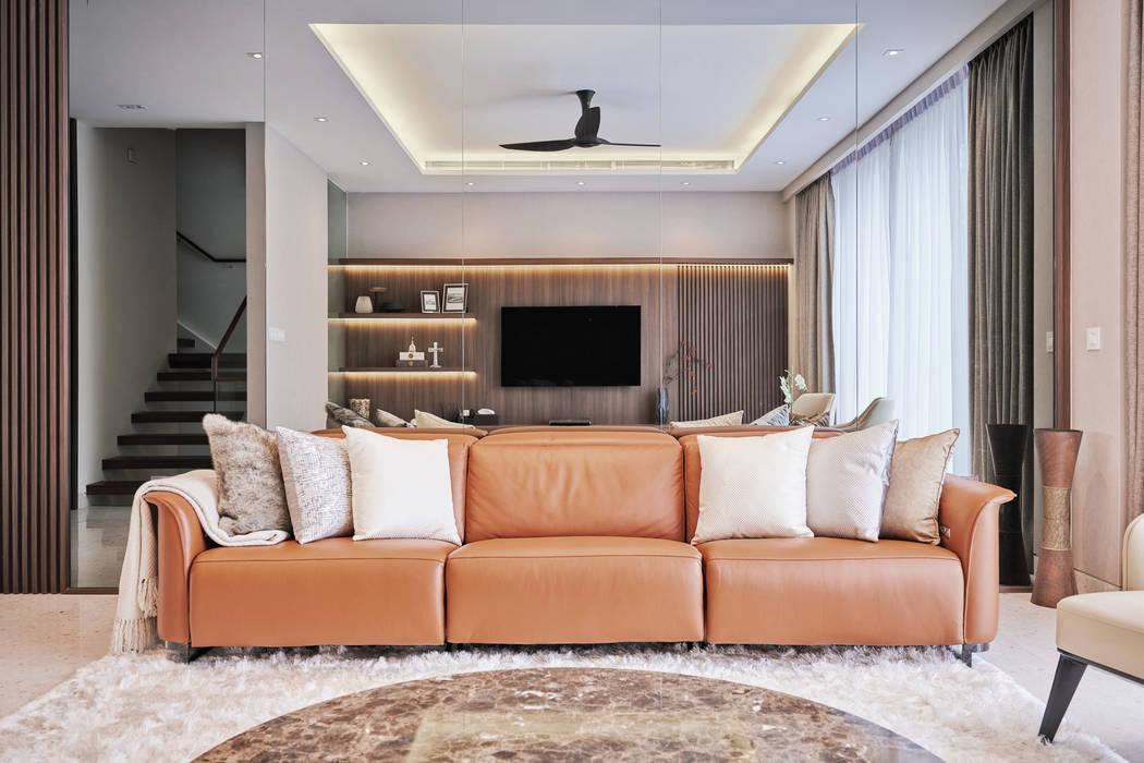 Mr Shopper Studio | Landed Property | Cayman Residence | Living Room Mr Shopper Studio Pte Ltd Modern living room Wood Brown