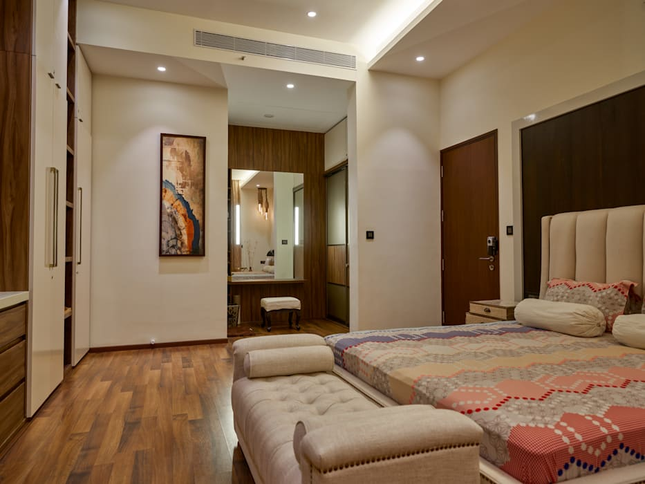 CROWN AURA KEJRIWAL RESIDENCE   BANGALORE Modern Bedroom by DUTTA KANNAN & PARTNERS Modern Marble