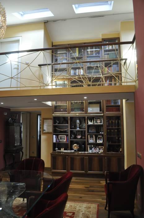 Una Casa in Brianza | 270 MQ Sala da pranzo in stile classico di Studio d'Arc - Architetti Classico