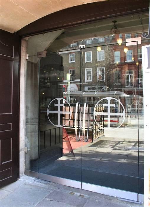 Custom manifestations glass doors Minimalist style doors by Ion Glass Minimalist Glass