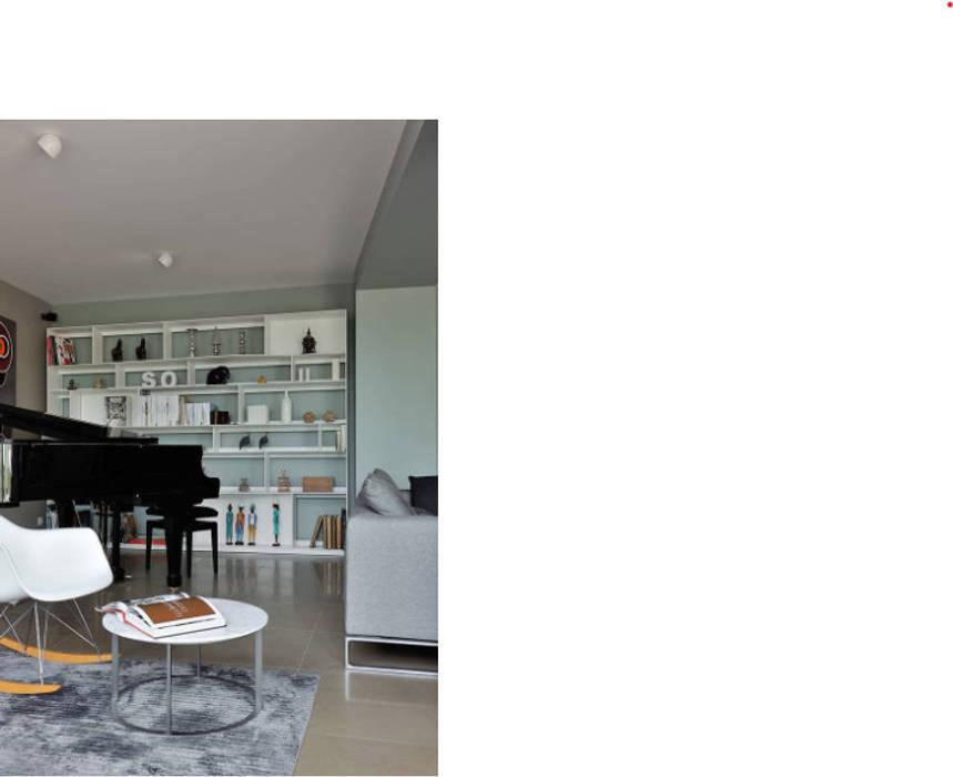 Salon d'ancien corps de ferme entièrement réhabilité Salon moderne par Création Contemporaine Moderne