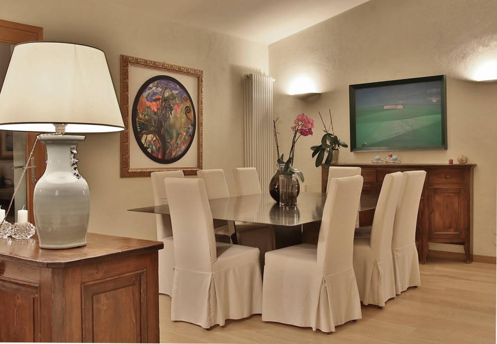 sala da pranzo Architetto Alessandro spano Sala da pranzo in stile mediterraneo