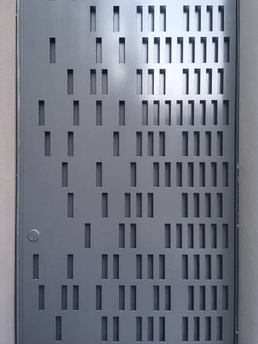 c05 herrería Входные двери Металл Серый