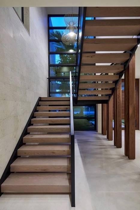 Modern Villa with Pool, Abingdon, Oxfordshire Abodde Luxury Homes 樓梯