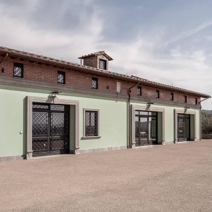 Tenuta agricola Case in stile rustico di Impresa edile Bonci Pierluigi Rustico Laterizio
