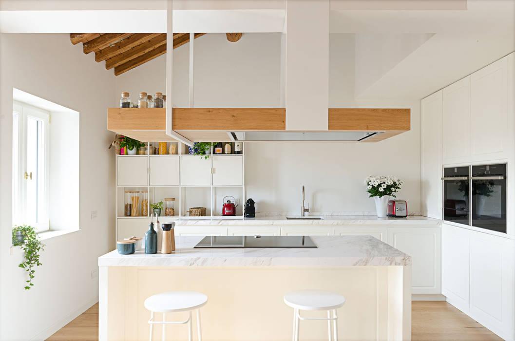 Attico RG - cucina locatelli pepato Cucina moderna Legno Bianco