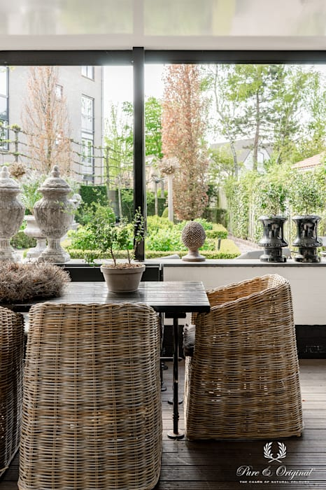 Milk White Calx Kalei Exterior Pure & Original Pure & Original Landelijke balkons, veranda's en terrassen Wit