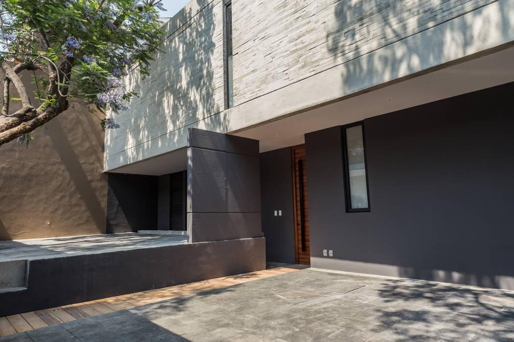 ESTACIONAMIENTO emARTquitectura Arte y Diseño Garajes modernos