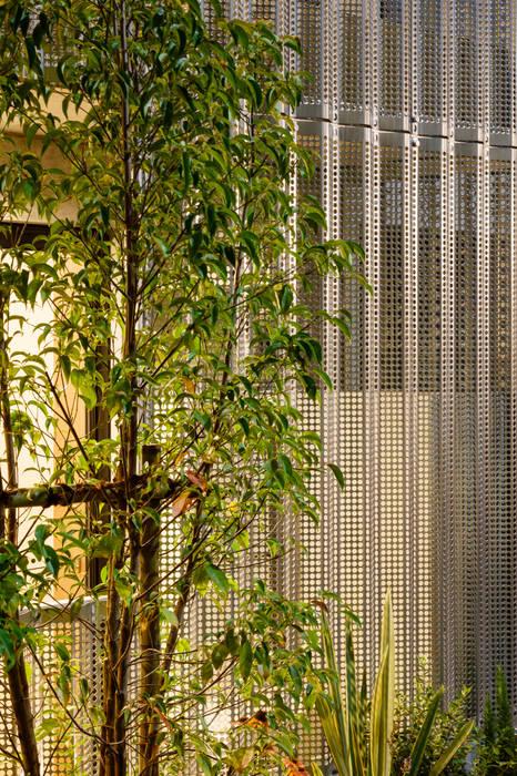 明大前の賃貸併用二世帯住宅 設計事務所アーキプレイス 北欧風 家 アルミニウム/亜鉛 メタリック/シルバー