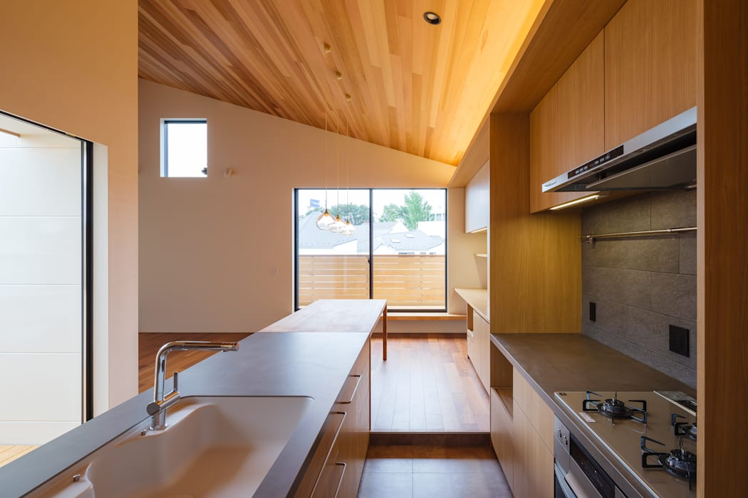 明大前の賃貸併用二世帯住宅: 設計事務所アーキプレイスが手掛けたスカンジナビアです。,北欧 セラミック