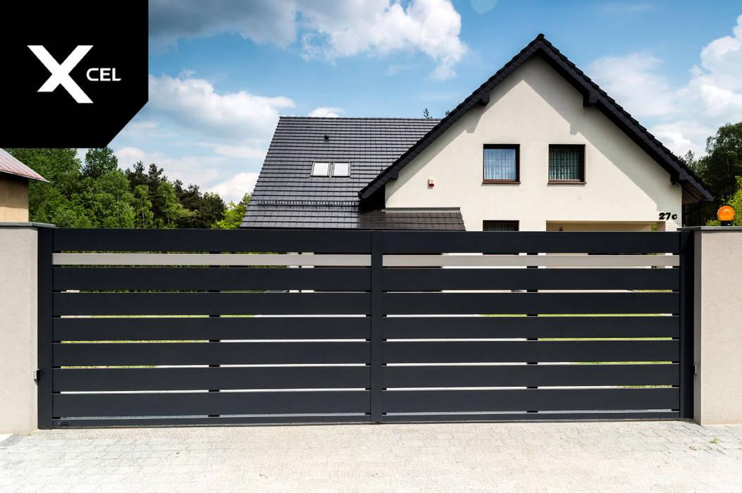 Nowoczesna brama przesuwna w kolorze grafitowym od XCEL Fence Nowoczesny
