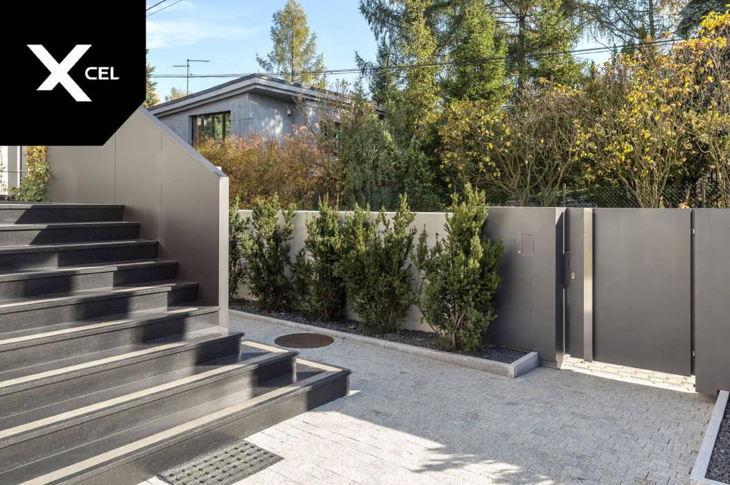 Dopasowana do ogrodzenia balustrada od XCEL Fence Nowoczesny