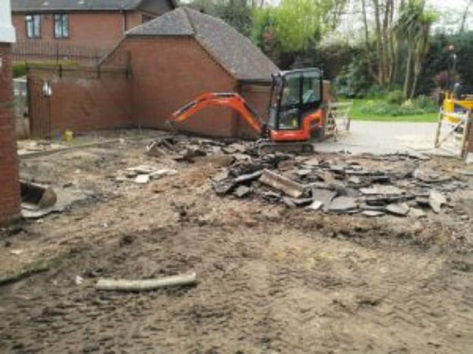 B WILTON DIGGER HIRE B WILTON DIGGER HIRE Floors