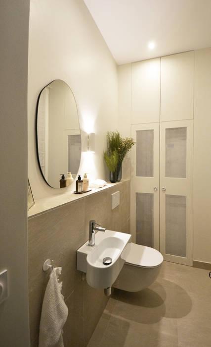 Grand appartement - WC invités Salle de bain moderne par A comme Archi Moderne
