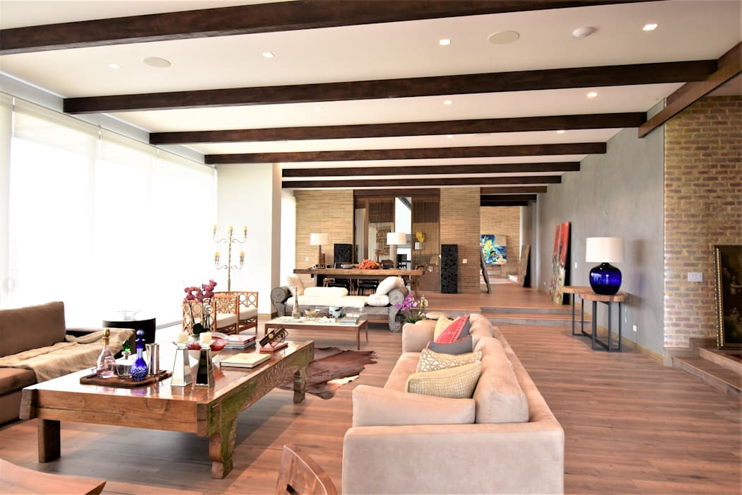 Casa en La Calera Cundinamarca. Conjunto Bosques de Granada y Cayunda Arquitectos y Entorno S.A.S Salas modernas